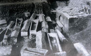 Depuis l'antiquité - Fouilles de la nécropole de Saint-Seurin en 1909.