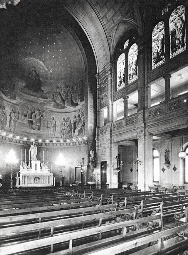 En images - Photo de la chapelle en noir et blanc