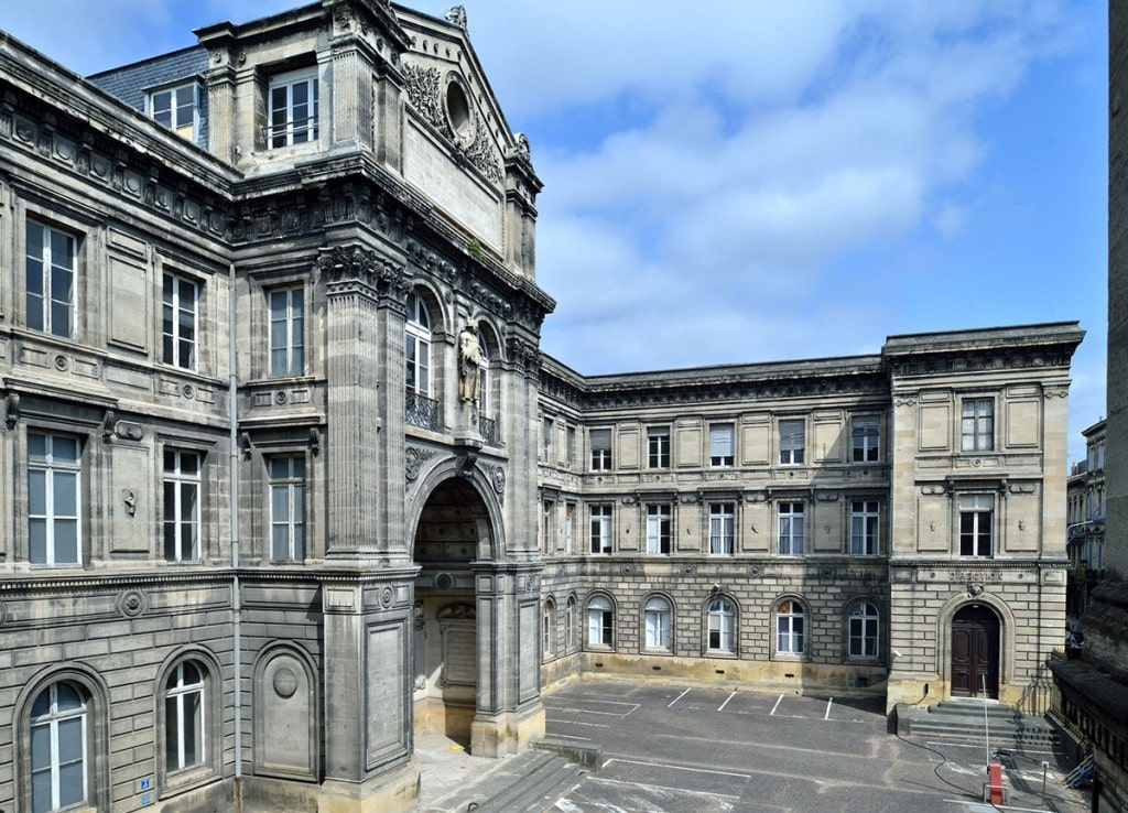 En images - photo de la façade du bâtiment