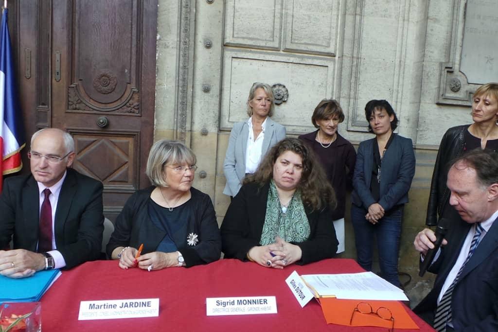 Gironde habitat, aménageur du projet (Ré)public- réunion pour signature de l'acte de vente